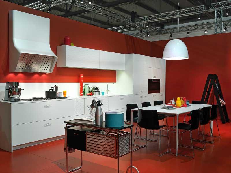Quattro trucchi per scegliere il colore della tua cucina - Come pitturare i mobili della cucina ...